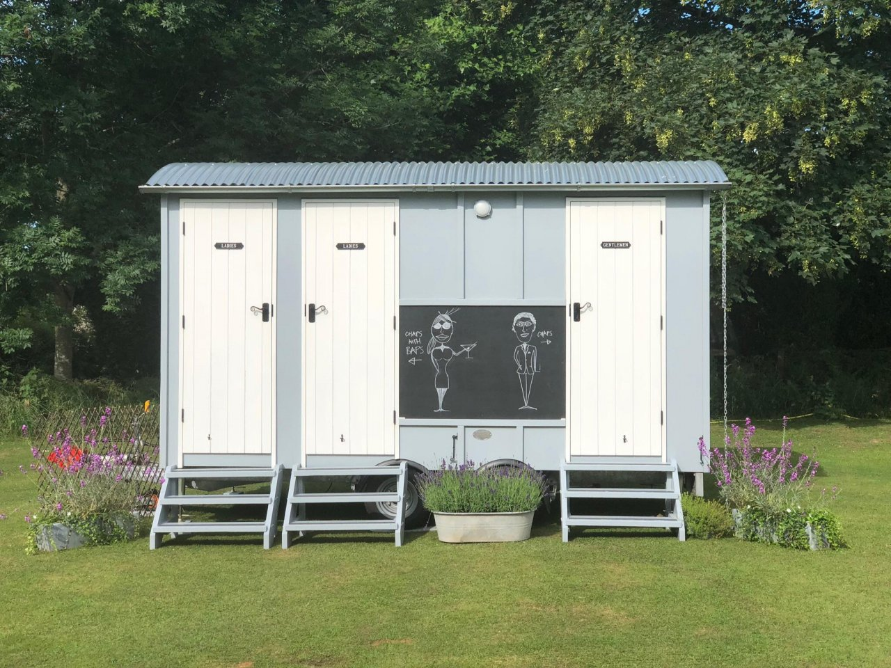 Glamping wedding toilets